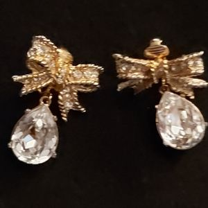 KENNETH LANE RHINESTONE BOW W/TEARDROP RHINESTONE
